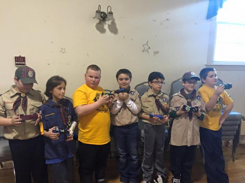 2015 Pinewood Derby Winners (aka When 7 Sets of Parents Are Taking 7 Different  Photos)