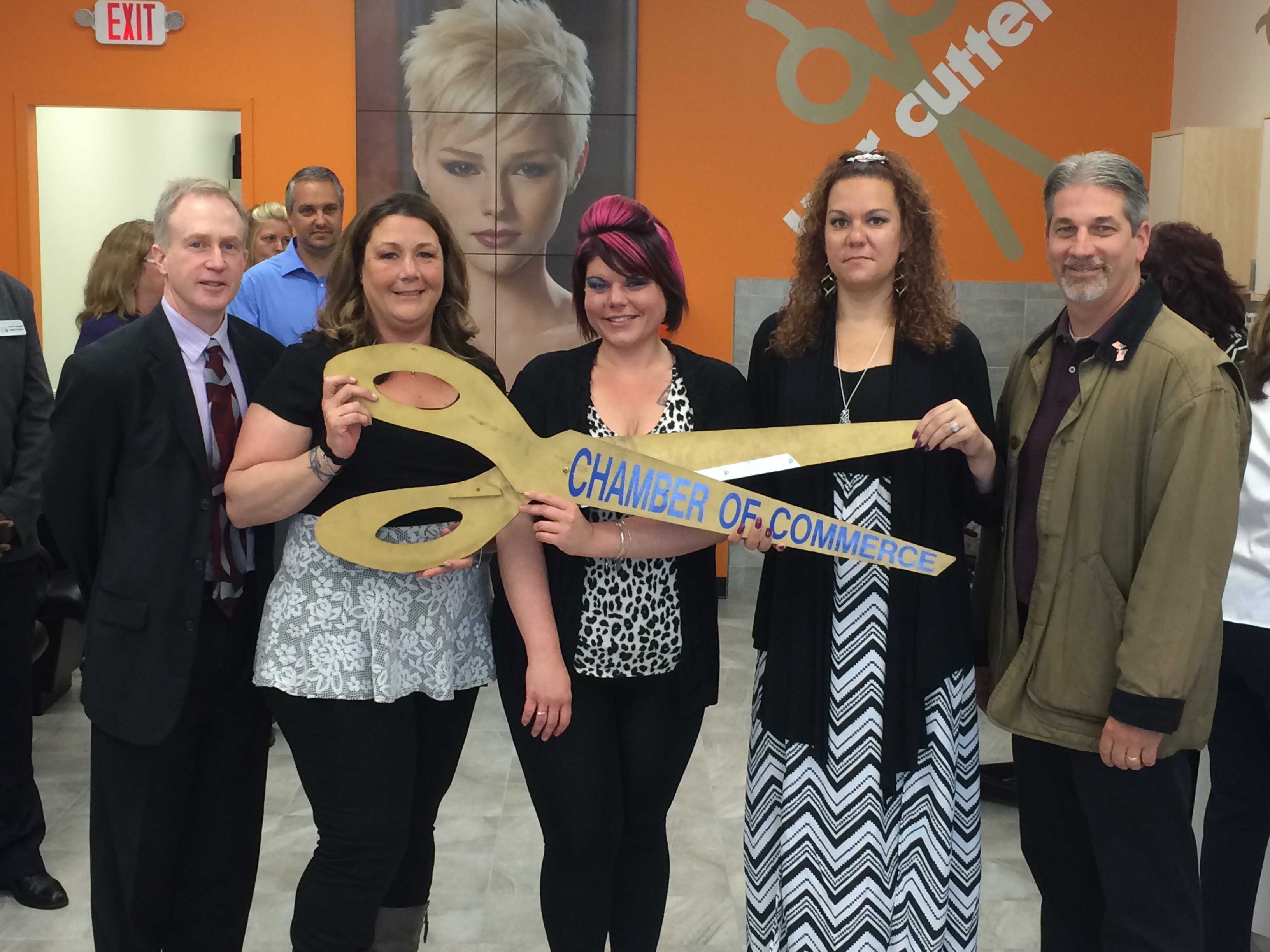 Wilmingtons Hair Cuttery Celebrated Grand Opening With Ribbon